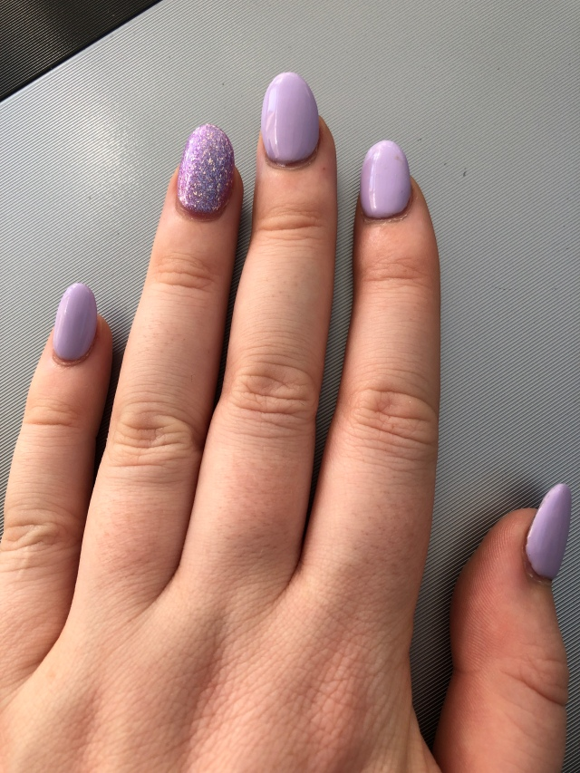 Manicured lilac nails for spring time.